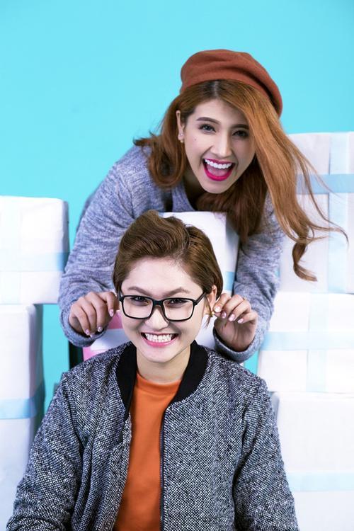 """Bên cạnh đó, Vicky Nhung cũng cho biết: """"Ny có tính cách khá dễ thương, dí dỏm nên không chỉ tôi mà mọi người trong ekip cũng yêu quý""""."""