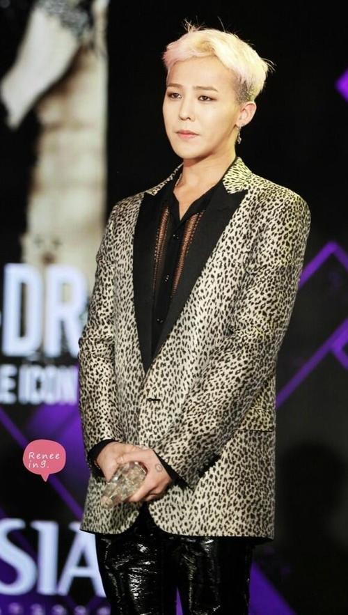 G-Dragon là ca sĩ ít ỏi ở Kpop có khả năng sản xuất nhạc.
