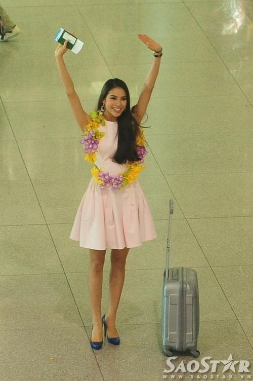 Hoa hậu Hoàn Vũ Việt Nam 2015 rất thân thiện