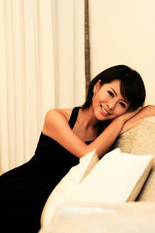 Lương Lệ Phương qua đời ở tuổi 30 vì ung thư gan. Cô đã trải qua 3 năm chống chọi bệnh tật.