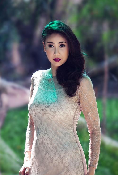 """Hoa hậu Hà Kiều Anh từng sinh ra trong một gia đình """"trâm oanh thế phiệt""""."""