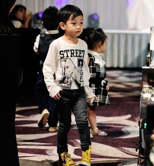 Subeo luôn ghi điểm với phong cách thời trang cực chất của mình.