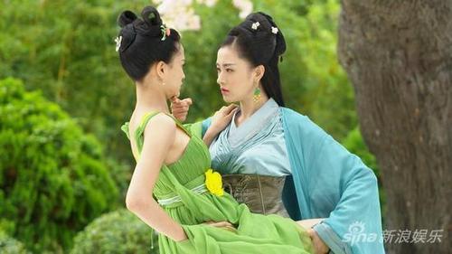 Những cảnh khiến Thiên Ái xấu hổ đỏ bừng mặt.