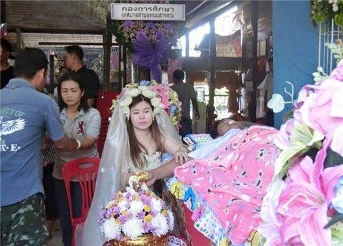 cogaimacaocuoitrongdamtangbantrai_ThaiLan (2)