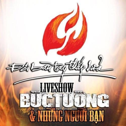 doi-ban-tay-thap-lua-buc-tuong-live-show