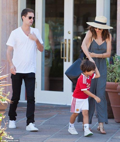 Miranda đã giới thiệu bồ trẻ với con trai Flynn.
