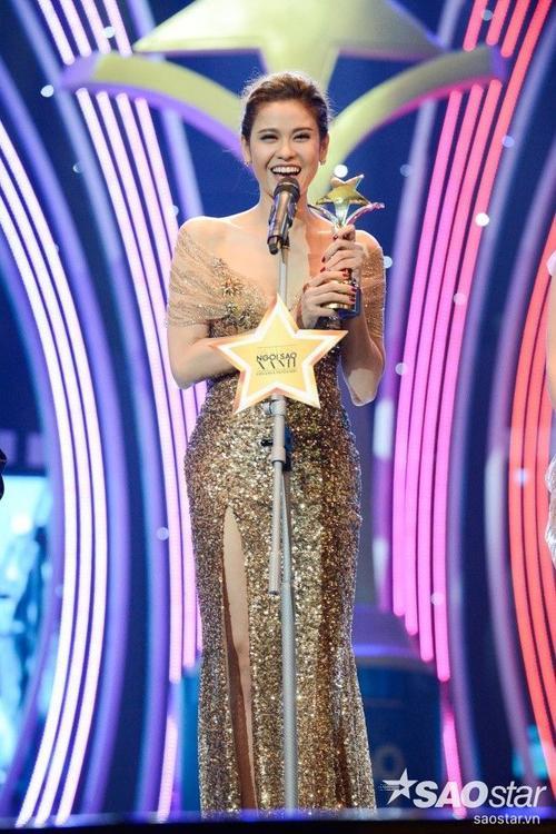 Trương Quỳnh Anh nhận giải Nữ diễn viên được yêu thích nhất cho vai diễn trong Thề không gục ngã và Hạnh phúc của người khác.
