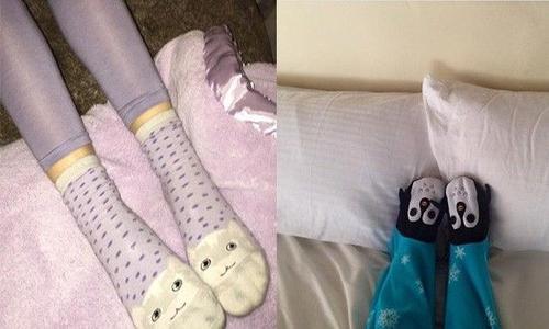 Nàng vẫn còn rất teen, bằng chứng là Instagram của nàng luôn ngập tràn những đôi tất như thế này đây.
