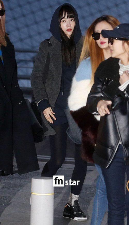 Thành viên gây chú ý nhất là Hani bởi cô vừa công khai mối quan hệ lãng mạn với đàn anh Junsu của nhóm JYJ.