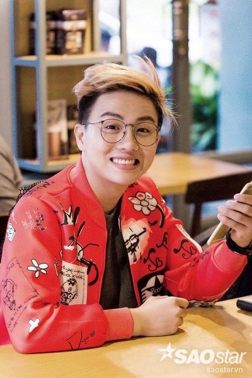 Duy Khánh thu hút khán giả với nụ cười tươi . Ảnh: Chu Dũng