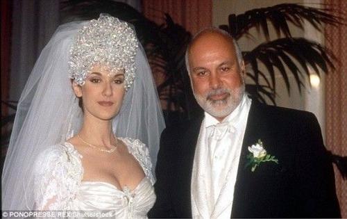 Rene và Celine trong ngày cưới 21 năm trước.
