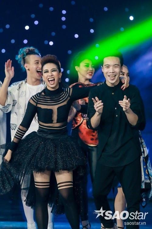 Hoang Thuy Linh (7)