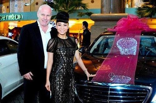 Chồng doanh nhân tặng Thu Minh siêu xe Mercedes S500 có trị giá 7 tỷ đồng.