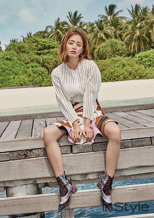 Trái ngược với hình ảnh nữ tính, Kim Tae Hee khá mạnh mẽ thời nhỏ.