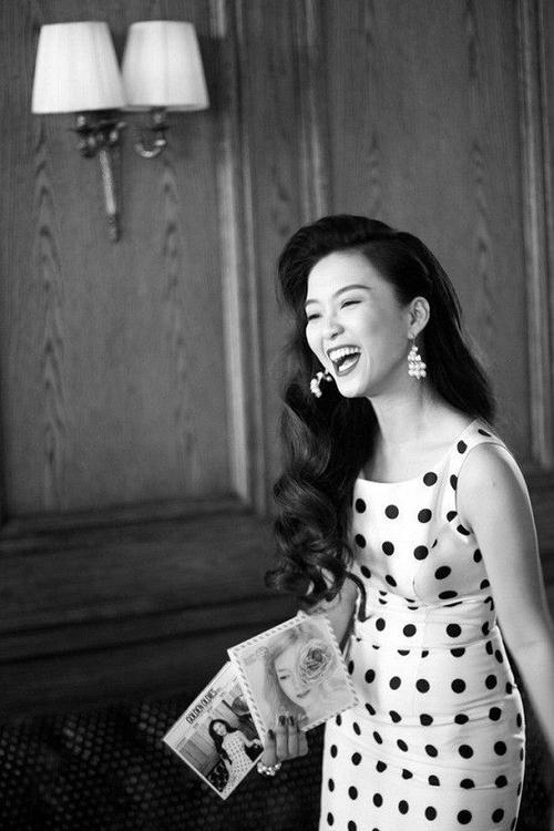 Album Đinh Hương sings The Golden Oldies tạo được tiếng vang lớn.