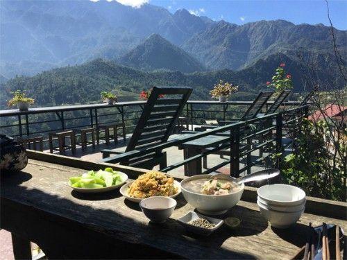 Một bữa ăn sạch tại Gem Valley giữa bao la đất trời. Ảnh: Nguyen Thuy Hanh (Miu)