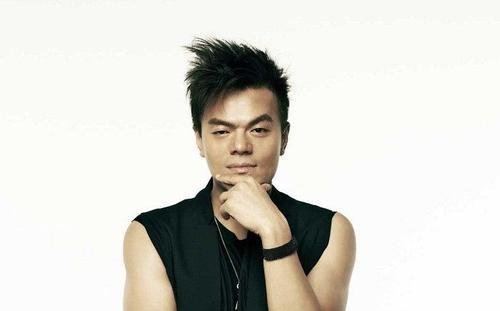 Park Jin Young muốn các gà mới tập trung vào công việc luyện tập và ca hát hơn là yêu đương.