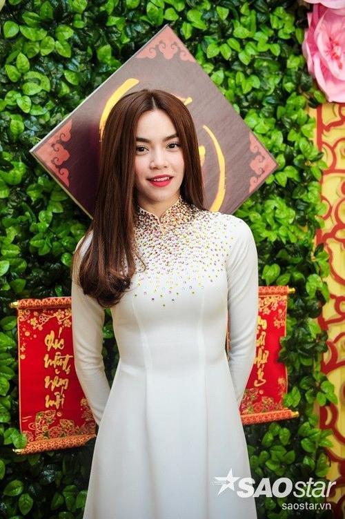 Chiều 25/1, tại TP HCM, đơn vị thực hiện Gala Nhạc Việt có buổi họp báo cùng giới truyền thông nhằm công bố DVD ca nhạc mới nhất mang tên Tết trong tâm hồn. Đây là sản phẩm thứ 7 sau bốn năm kể từ ngày chương trình ra mắt. Sự kiện thu hút nhiều văn nghệ sĩ nổi bật ở Vpop, tiêu biểu là Hồ Ngọc Hà.