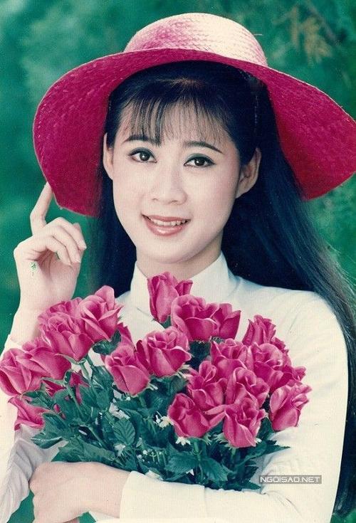 Sau scandal tình ái với doanh nhân người Mỹ gốc Việt, Diễm Hương rời xa chốn showbiz và chọn cuộc sống bình yên.