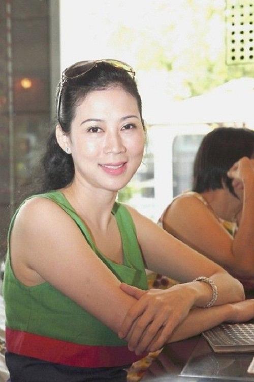 Trong một lần về nước cách đây 7 năm, Diễm Hương vẫn giữ được nét đẹp mặn mà, tươi trẻ.