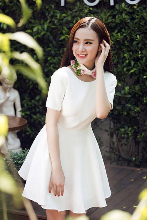 mac-kieu-nay-angela-phuong-trinh-sexy-gap-nhieu-lan-khoe-da-thit_019