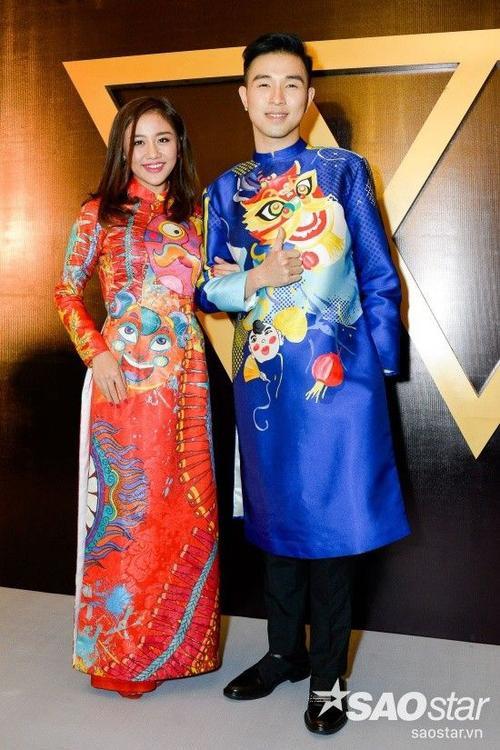 Văn Mai Hương với bộ áo dài mang lại không khí Tết tưng bừng