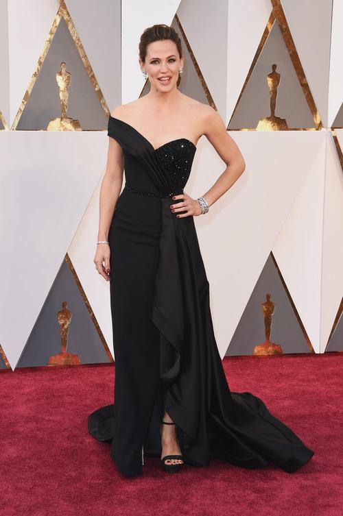Jennifer Garner rạng rỡ sau khi ly hôn với Ben Affleck.