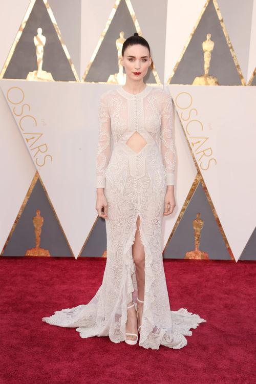 """Rooney Mara có khả năng giành tượng vàng Oscar đầu tiên dành cho Nữ diễn viên phụ xuất sắc nhất cho vai diễn trong """"Carol""""."""