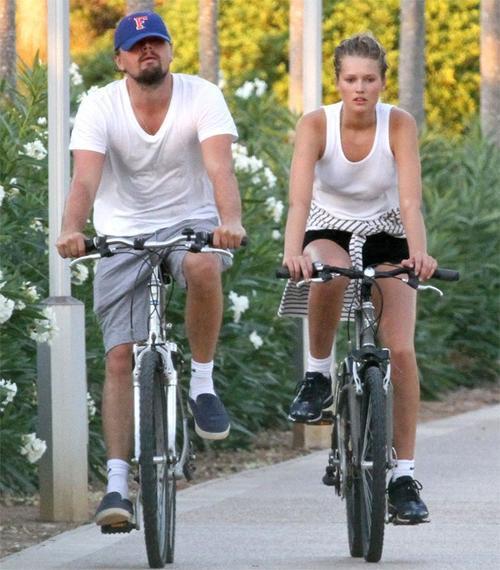 Từ tháng 5/2013 đến 2014, Leo quấn quýt bên chân dài Victoria's Secret 23 tuổi Toni Garrn. Một trong những lý do khiến cặp đôi chia tay vì Leo bị bắt gặp tham gia buổi tiệc tùng với hơn 20 phụ nữ ở Miami.