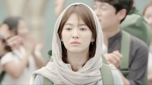 Dù nàng vẫn đẹp lộng lẫy...nhưng ý kiến khách quan khán giả mang lại đều đồng tình với việc nhân vật Mo Yeon trông khá giản dị.