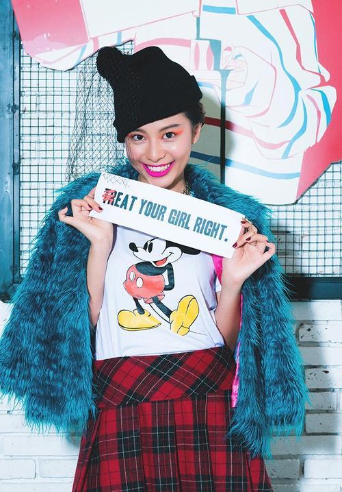 Mũ len đi kèm lúp, một trào lưu đang được giới trẻ thời trang thế giới khá ủng hộ.