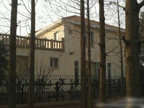 Nhà Tử Thao ở khu vực Thanh Đảo (Sơn Đông). Những căn biệt thự tương tự, gia đình anh sở hữu không dưới 5 cái.