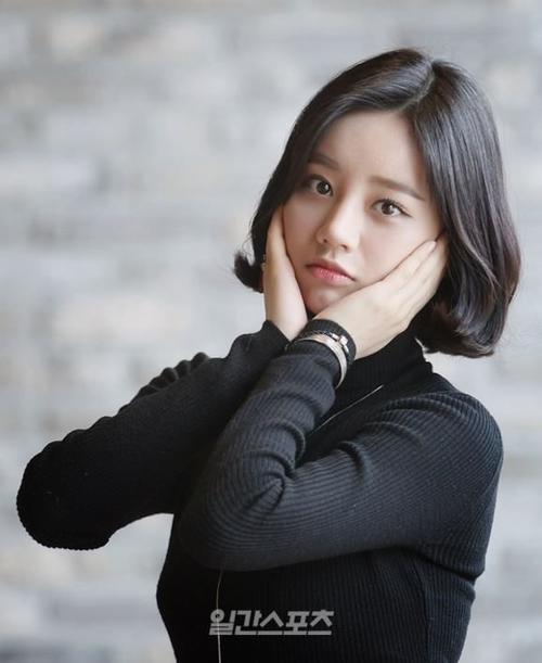 Ca sĩ kiêm diễn viên Hyeri.