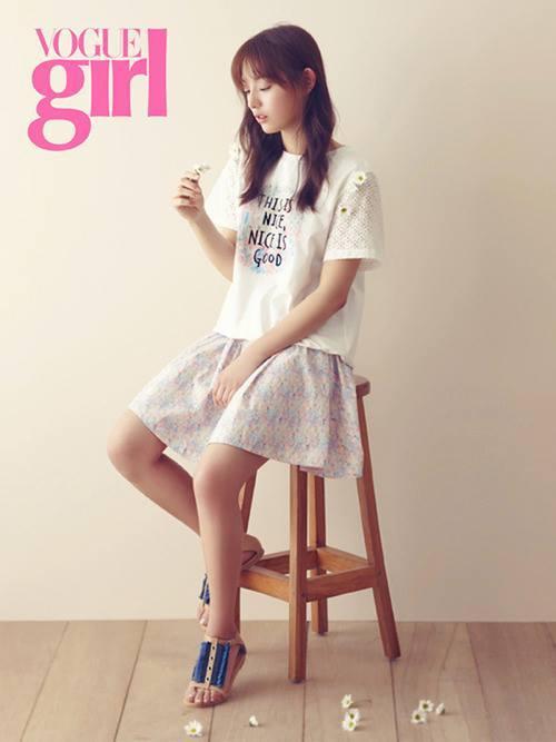 Kim Ji Won xinh đẹp trong loạt ảnh chụp tạp chí