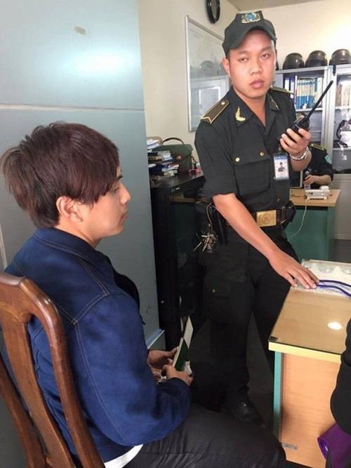 Hồ Quang Hiếu mệt mỏi tại phòng an ninh.