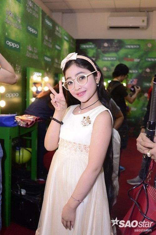 Ca sĩ nhí Hồng Minh.