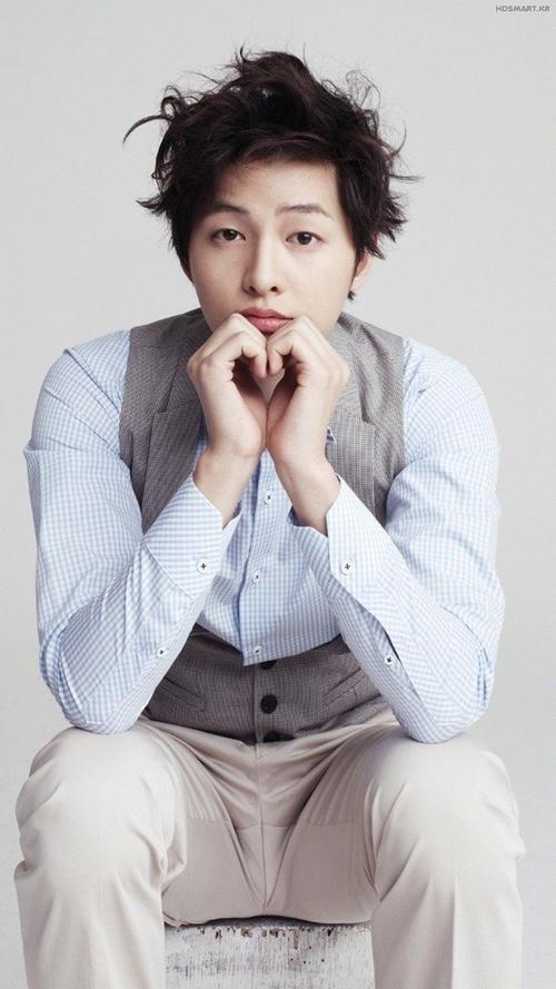 Hình ảnh đáng yêu, dịu dàng khi mới nổi tiếng của Song Joong Ki.
