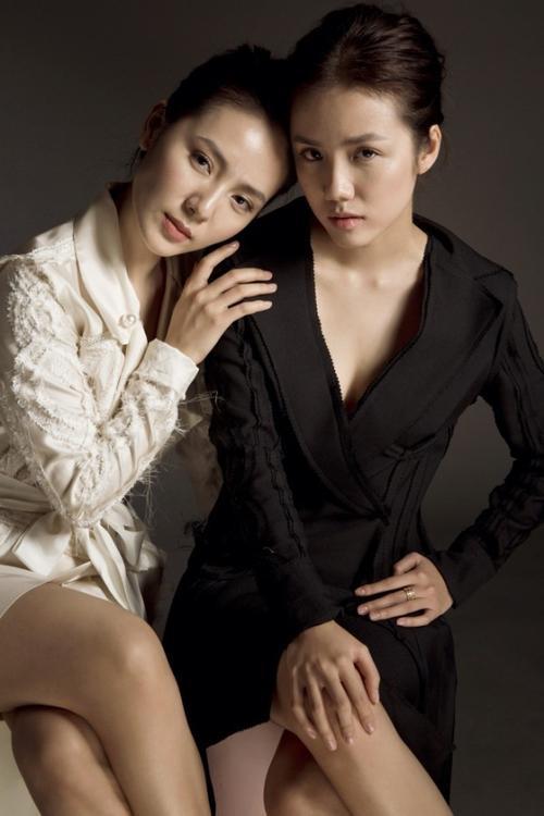 Nếu như người ta vẫn luôn nhớ đến cô chị Phương Linh với một giọng ca truyền cảm thì Phương Ly lại chính là nhân tố với gu ăn mặc vô cùng thú vị cho ngành thời trang.