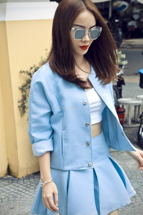 Người ta sẽ luôn nhớ đến một Yến chị với phong cách thời trang vô cùng sang trọng và nữ tính.