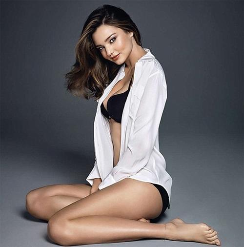 Siêu mẫu người Australia Miranda Kerr được Song Joong Ki chọn là hình tượng phụ nữ mà anh quan tâm.