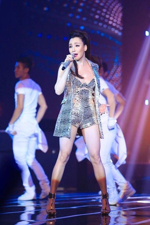 Ho Quynh Huong 16