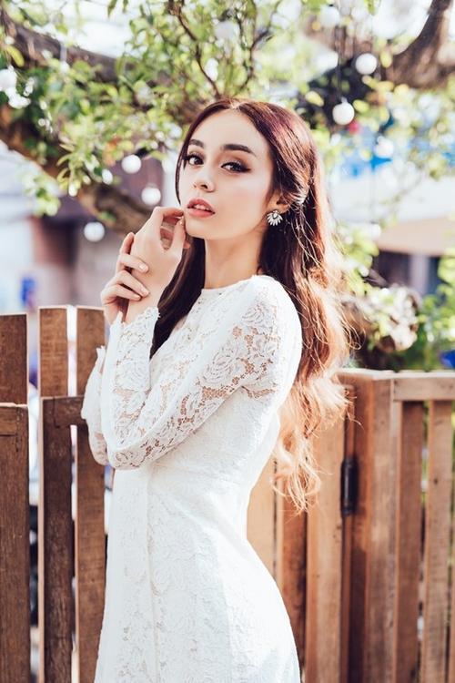 Là thành viên của đội Khánh Thi, MLee được HLV của mình mong muốn giúp cô có một cuộc lột xác mạnh mẽ về hình ảnh.