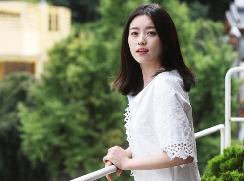 Liên quan đến mối quan hệ rạn vỡ giữa sao và quản lý cũ có trường hợp của nữ diễn viên Han Hyo Joo từng gây xôn xao.