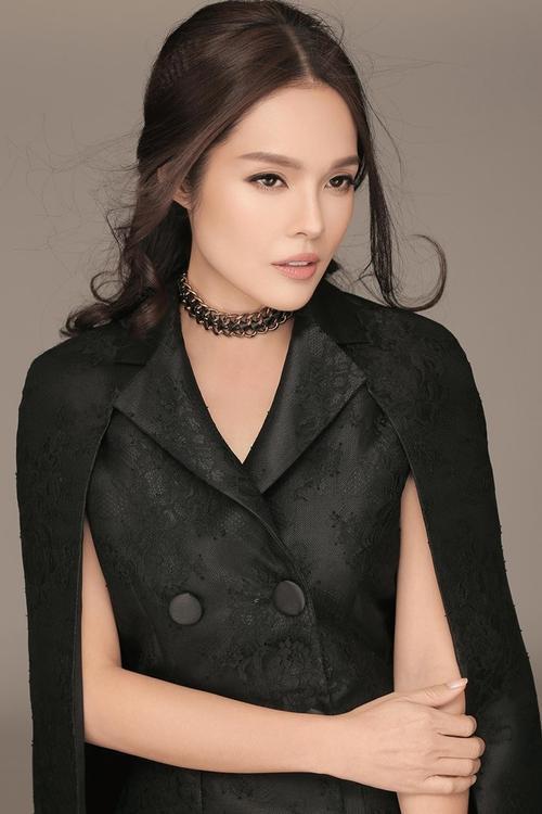 Duong Cam Lynh (10)