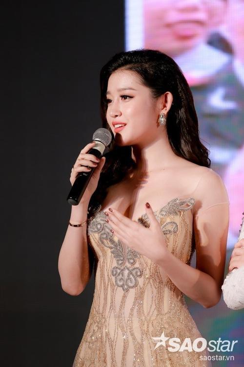Với Huyền My, cô trải lòng rằng, việc trở thành Á hậu 1 Hoa hậu Việt Nam 2014 đã khiến cuộc sống của cô gần như thay đổi hoàn toàn.