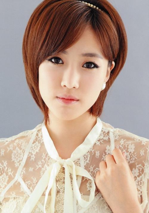 """Nàng rapper Eun Jung yêu thích phong cách trang điểm tự nhiên, """"có mà như không""""."""