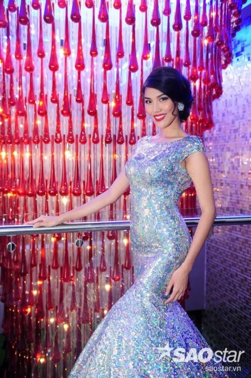 Tối 15/1, Lan Khuê góp mặt tại buổi lễ khai trương một trung tâm thể dục thể hình và Yoga ở TP HCM với tư cách nghệ sĩ khách mời. Ngay từ khi xuất hiện, cô đã thu hút nhiều sự chú ý của cánh truyền thông lẫn công chúng.