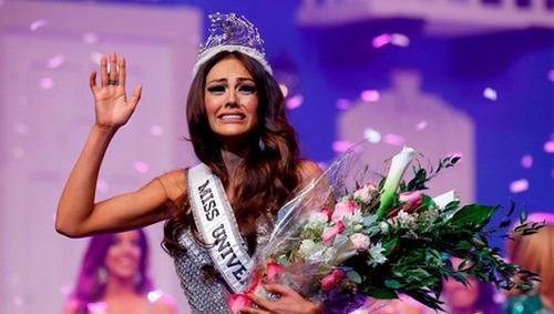 Tân hoa hậu Puerto Rico bị tước vương miện.