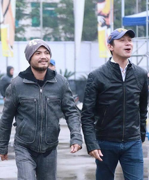 """Những ngày qua, MC Anh Tuấn đã cùng với gia đình Trần Lập lo lắng chuyện hậu sự cho giọng ca """"Mắt đen""""."""