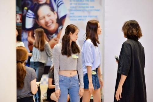 Dàn chân dài sẽ xuất hiện trong show The Fashion Show powered by TRÉsemme cũng đã lộ diện.
